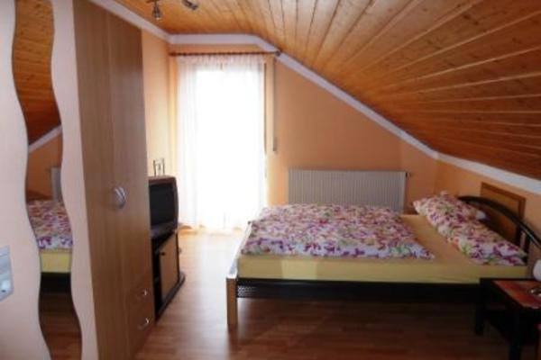 Bed and Breakfast in Entringen 2