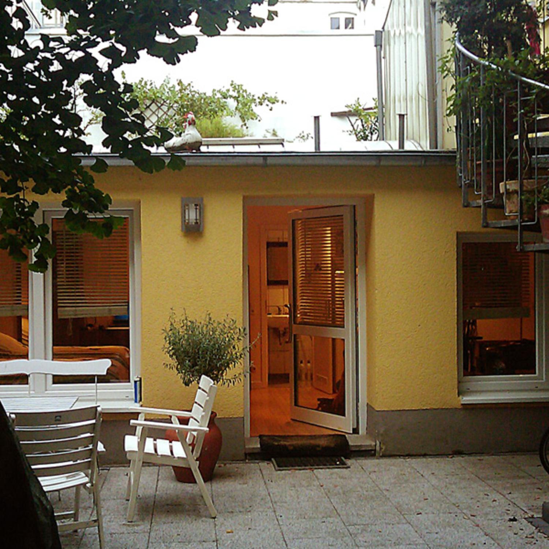 Unterkunft Hinterhof Hauschen Wohnung In Koln Gloveler